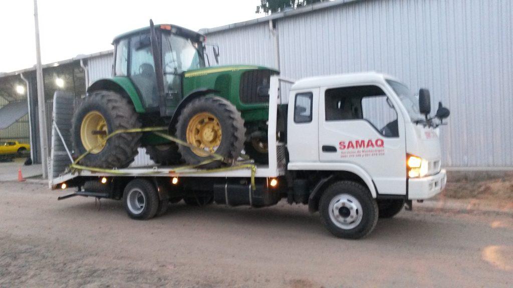 Traslado de tractor